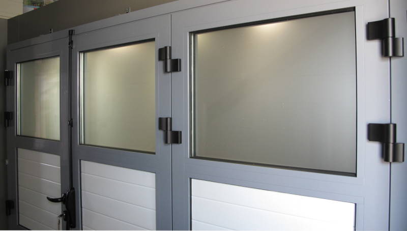 Porte de garage pliante 3 vantaux manuelle atlantic for Porte de garage aludoor